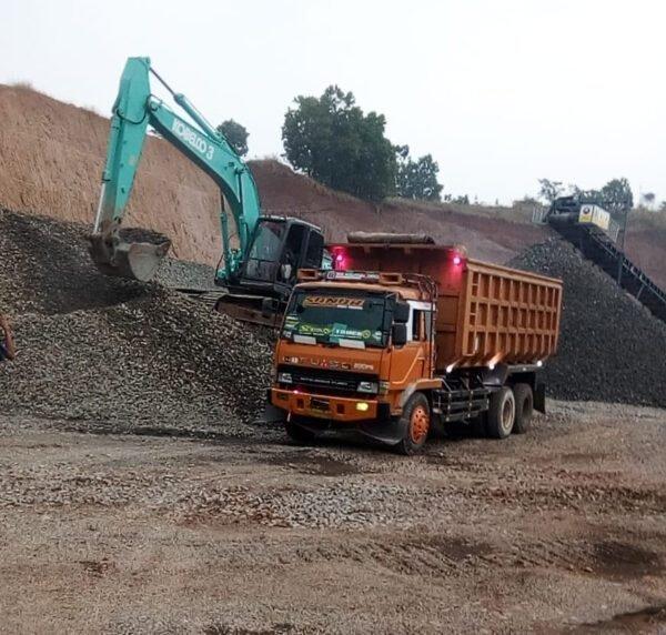 Tambang Batu Ilegal Gunung Julang Dilahan PUPR Resahkan Warga Dibeli KCIC Rp48 Miliar