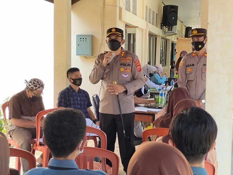 Kapolres Pantau Pelajar SMKN 1 Ikut Vaksin, Percepatan Vaksinasi Covid -19 Di Wilayah Hukum Kabupaten Majalengka